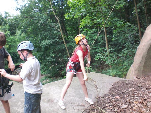 Kinder beim Klettern