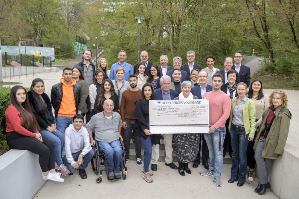 Rotarier spenden für Lernpaten